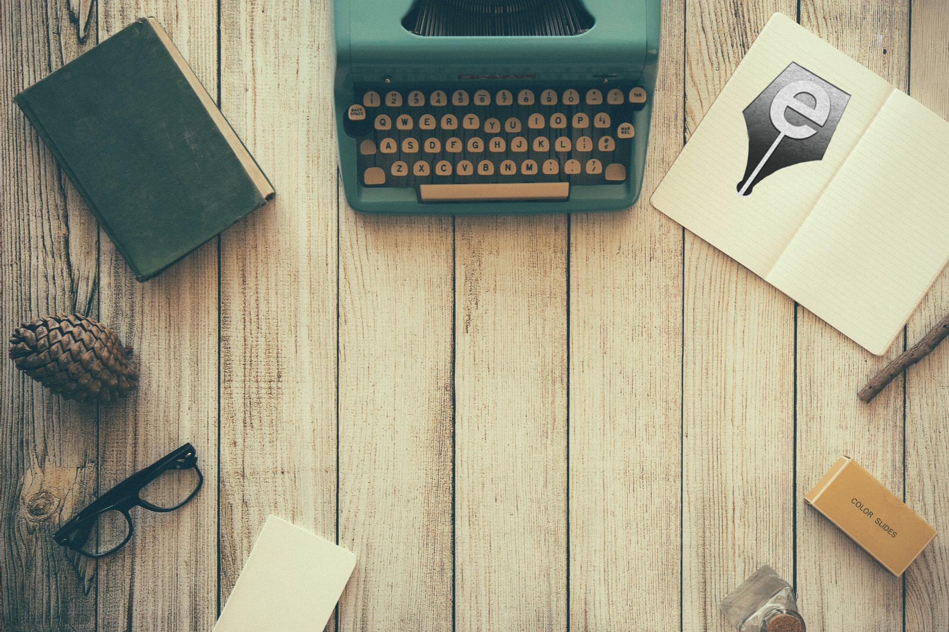 typewriter-801921_1920(13).jpg